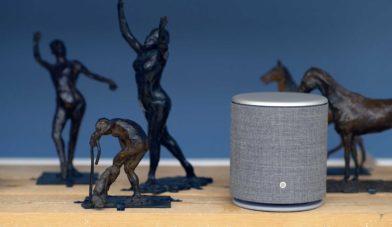 BeoPlay M5 med statuer på Glyptoteket